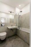 Innenraum eines modernen Badezimmers Lizenzfreie Stockbilder