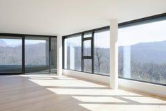 Innenraum eines modernen Hauses, gerade ein Raum leer lizenzfreies stockbild