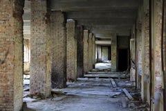 Innenraum eines verlassenen Aufbaus. Stockbilder