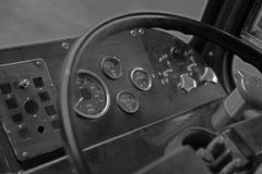 Innenraum eines Weinlese leyland Leopardbusses lizenzfreie stockfotos
