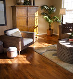 Innenraum mit Hartholzbodenbelag Stockfotos