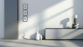 Innenraum mit leeren Bildern, Vasen und Tischlampen auf den Büchern Lizenzfreies Stockbild