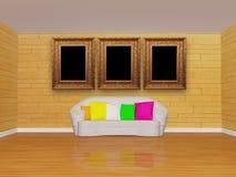 Innenraum mit weißer Couch und Bilderrahmen Stockbild