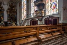 Innenraum römisch-katholischer Kirche Gemeinde St. Maurice in Appenzel Lizenzfreie Stockfotos