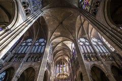 Innenraum und Details der Basilika von St Denis, Frankreich Stockfoto