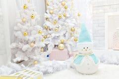 Innenraum verziert in der Weihnachtsart lizenzfreie stockfotos