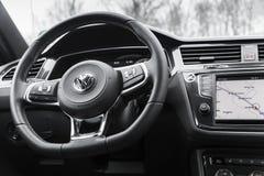 Innenraum von 2 Generation Volkswagen Tiguan Lizenzfreies Stockbild