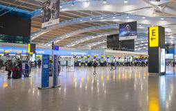 Innenraum von Heathrow-Flughafenabfertigungsgebäude 5 Neues Gebäude Stockfotografie