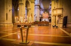 Innenraum von Montepulciano-Kathedrale lizenzfreie stockfotos