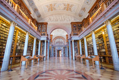 Innenraum von Pannonhalma-Bibliothek, Pannonhalma, Ungarn stockbilder