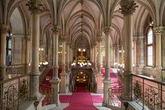 Innenraum von Rathaus in Wien stockbilder