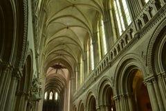 Innenraum von Roman Catholic Cathedral Lizenzfreie Stockfotos