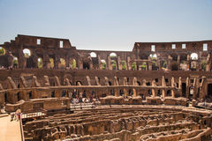 Innenraum von Roman Colosseum- oder Kolosseumamphitheatre Stockfotografie