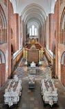 Innenraum von Roskilde-Kathedrale, Dänemark Lizenzfreie Stockfotos