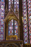 Innenraum von Sainte-Chapelle in Paris Stockfotos