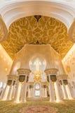 Innenraum von Sheikh Zayed Grand Mosque, Abu Dhabi, Vereinigte Arabische Emirate Stockbilder