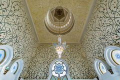 Innenraum von Sheikh Zayed Grand Mosque in Abu Dhabi, Vereinigte Arabische Emirate Lizenzfreie Stockbilder
