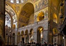 Innenraum von St- Mark` s Basilika, Venedig stockfotografie