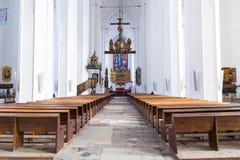 Innenraum von St Mary Basilika in Gdansk Lizenzfreie Stockfotos