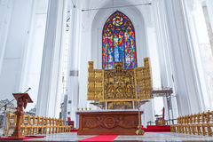Altar von St Mary Basilika in Gdansk Stockfotos