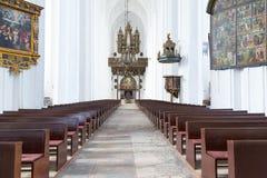 Innenraum von St Mary Basilika in Gdansk Stockfotos