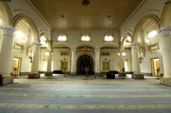 Innenraum von Sultan Abu Bakar State Mosque in Johor Bharu, Malaysia Lizenzfreie Stockfotos