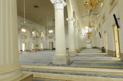 Innenraum von Sultan Abu Bakar State Mosque in Johor Bharu, Malaysia stockbild