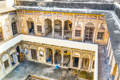 Inner courtyard of an old Haveli in Mandawa Stock Images