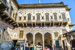 Inner courtyard of an old Haveli in Mandawa Stock Photo