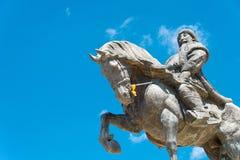 INNER MONGOLIA, CHINA - 10 de agosto de 2015: Kublai Khan Statue en Kubla Imágenes de archivo libres de regalías