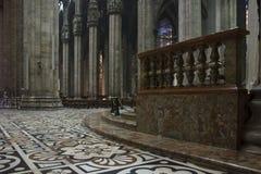 Innere Duomokathedrale in Mailand Lizenzfreie Stockfotos
