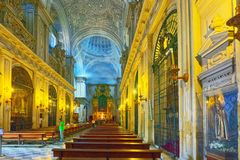 Innere Kathedrale der Heiliger Maria des Sehung, besser bekannt als Sevil stockbilder