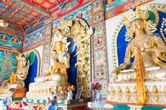 INNERE MONGOLEI, CHINA - 13. August 2015: Budda-Statuen bei fünf Pagod Stockfoto