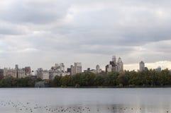 Innere New- Yorkskyline angesehen vom Central Park Lizenzfreies Stockbild