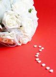 Innere und weiße Rosen Stockbilder