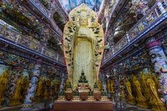 Innerer buddhistischer Tempel in Vietnam Lizenzfreies Stockfoto