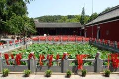 Innerer chinesischer buddhistischer Tempel Stockbilder