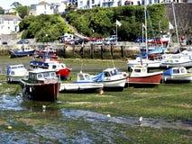 Innerer Hafen Brixham bei Ebbe. Stockbild