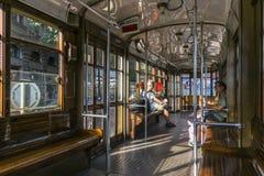 Innerer klassischer Förderwagen in Mailand, Italien Lizenzfreie Stockfotos