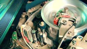 Innerer VHS-Recorder: Magnetkopfendfunktionsabschluß oben stock footage