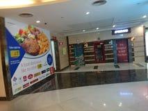 Inneres dlf Mall in Delhi stockbild
