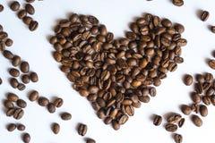 Inneres gebildet von den Kaffeebohnen Stockbild