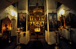 Inneres Heiligtum einer russischen orthodoxen Kapelle, Moskau stockfoto