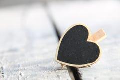 Inneres Rot stieg auf weißen Hintergrund Valentinsgruß ` s Tageszeichen, Kopienraum Lizenzfreies Stockbild