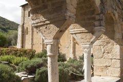 Inneres Säulenhalle Sant-` Antimo Abbey Castelnuovo Abate Montalcino Siena Toskana Italien Stockbild