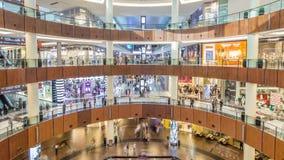 Innerhalb der Dubai-Mall timelapse Draufsicht stock footage