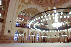 Innerhalb der großartigen Moschee in Bahrain Stockfotos