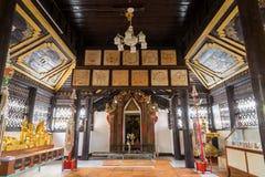 Innerhalb der Hauptkirche von Wat Jong Klang, Maehongson, Thailand Lizenzfreies Stockbild