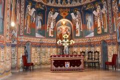 Innerhalb der Kirche Heilig-Anna--Rohiakloster, aufgestellt in einem natürlichen und lokalisierten Platz, in Maramures, Siebenbür Stockfotografie