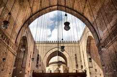 Innerhalb der Moschee des Sultans Hasan Stockfotos
